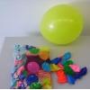 100 luftballons in eine beutel vorgestellt